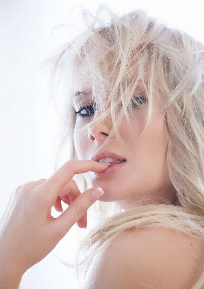 nug girls vegina hot sex poses